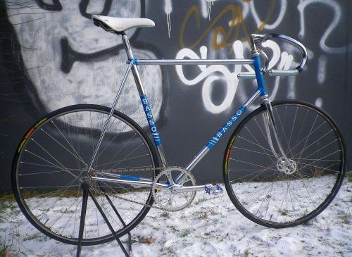 1301 Blue Basso Track 01