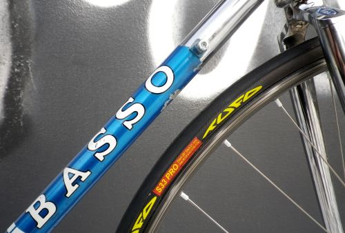 1301 Blue Basso Track 08