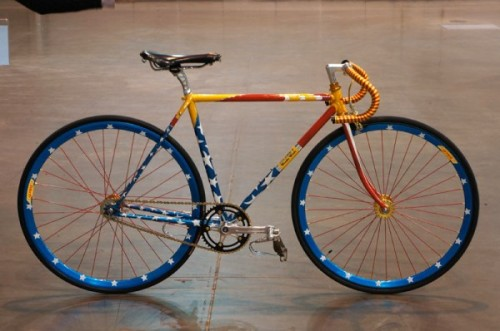 Bilenky-Wonder-Woman-steel-track-bike01-600x398