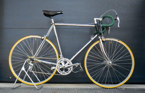 1305 VK Lotus 01