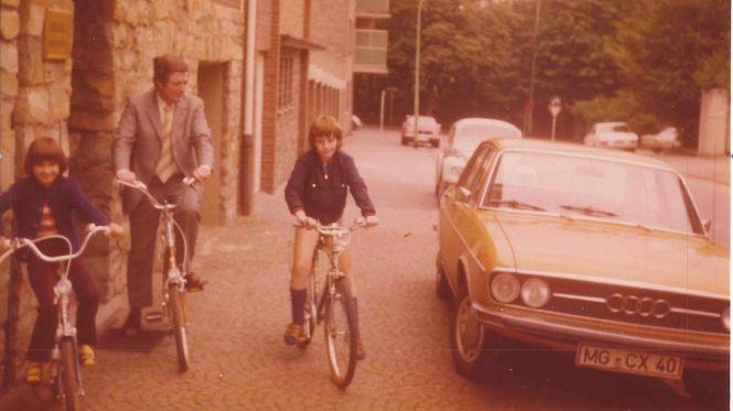 Radtour mit Vater und Schwester 1975