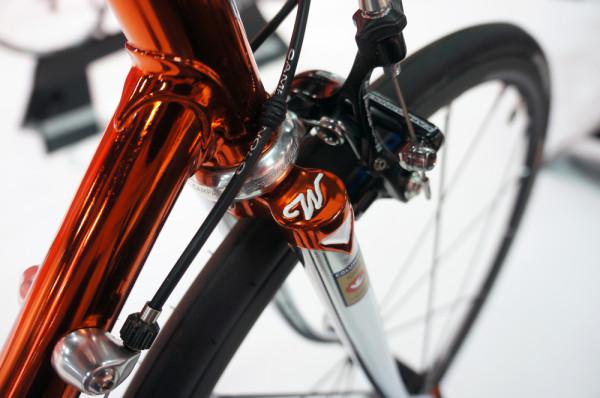 Wilier-superleggera-cento-1-sr-gtr-disc-2016-road-bikes25-600x398