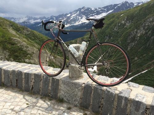 Tremola-Gotthard.JPG