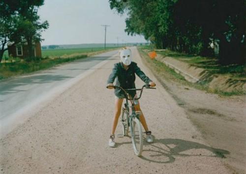 MaskedCyclist-660x468