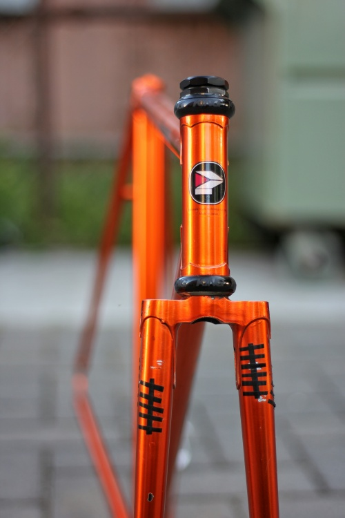 velotrap-orange-panasonic-njs-track-bike-front