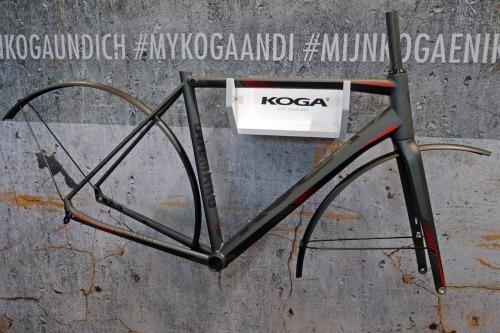 koga_colmaro_aluminum-disc-brake-endurance-gravel-road-race-bike-prototype_fenders