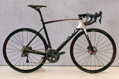 koga_kimera-road-premium-disc_carbon-disc-brake-road-race-bike_complete