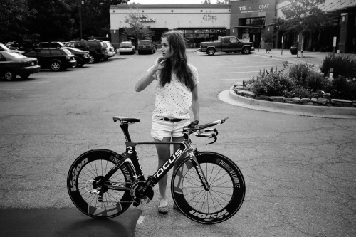 girl-riding-bicycle-tumblr-wcyqdayt0