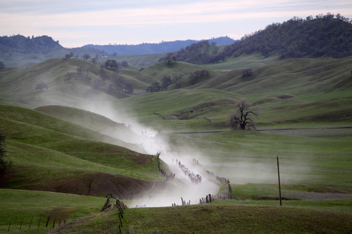 The Pro Men are coming.  Chico Stage Race, 2016