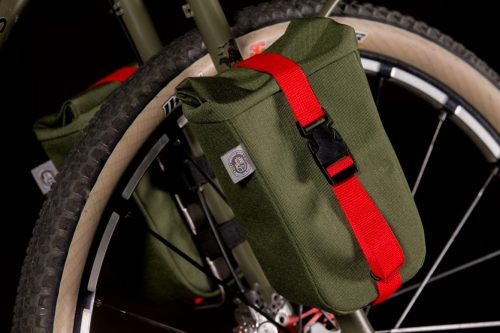 2017-NAHBS-Vlad-Cycles-Dirt-Tourer-with-Andrew-the-Maker-Bags-8-1335x890