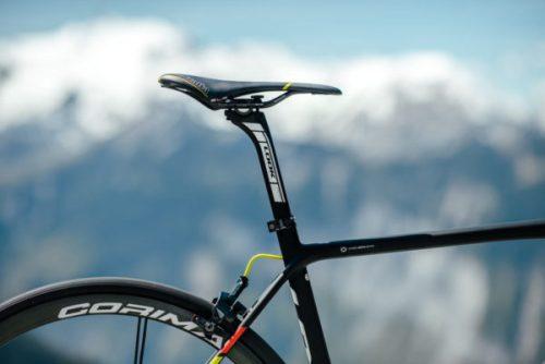 2018-LOOK-785-HUEZ-RS-lightweight-climbing-road-bike-4-600x401