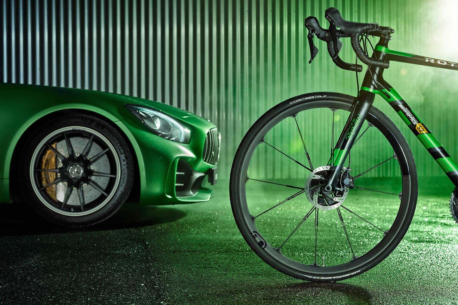 Rotwild-x-Mercedes-AMG-R-S2_Beast-of-the-Green-Hell-limited-edition_lightweight-carbon-disc-brake-road-bike_15mm-thru-axle-Crankbrothers-front-wheel