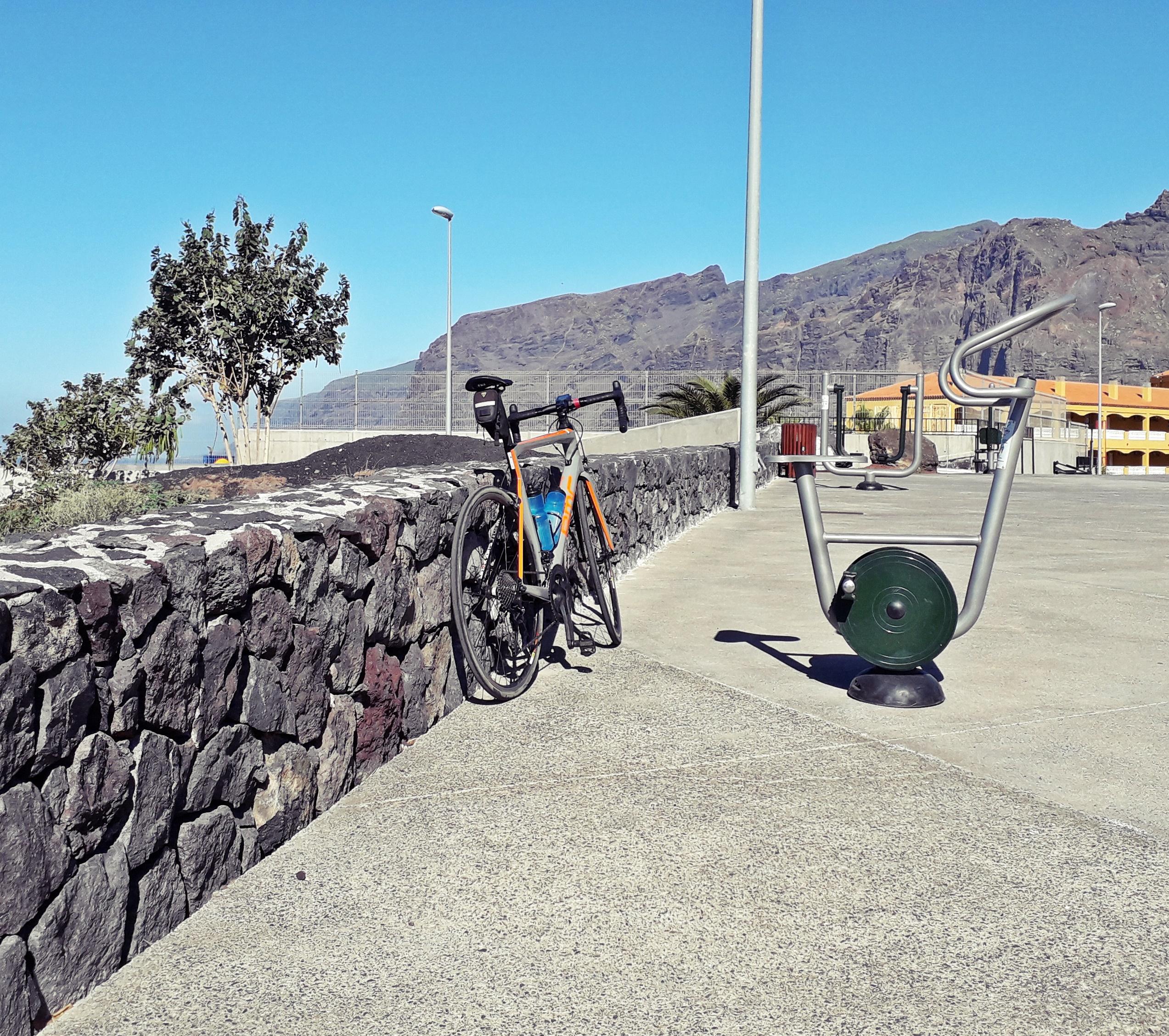1812 teneriffa trainer bike